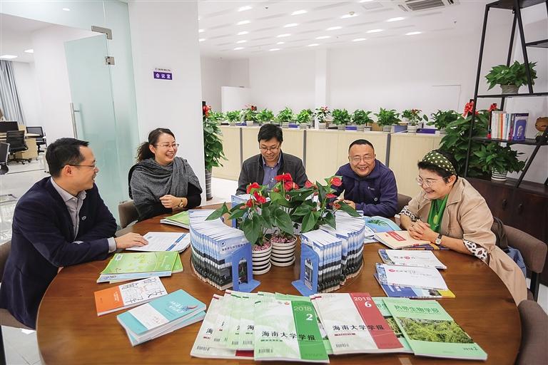海南省首个博士服务工作站在文昌揭